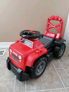 Mega Blocks 3 in 1 Ride on Jeep/Makes Sounds