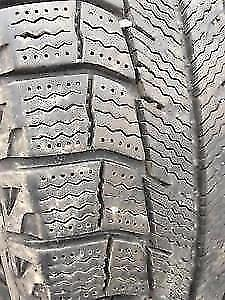 4 michelin x-ice 155-80-13 sur rims 4 trous a létat neuf 150$