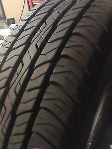 205-70-15 DUNLOP SIGNATURE Like New 4 Tires all season over 95%tread Free Install and balance