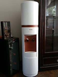 GREAT DEAL - WATER COOLER/FONTAINE A EAU