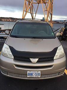 2004 Toyota Sienna LE Minivan, Van