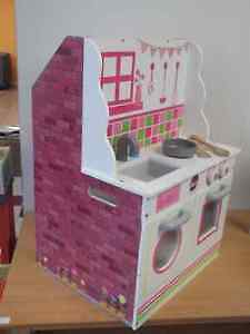 PLUM 2 IN 1 KITCHEN AND DOLLHOUSE - BRAND NEW