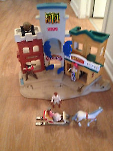 Fisher price hotel western with accessories.AVAILABLE