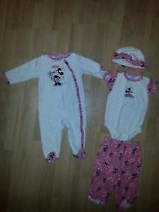 Size 0-6M Girl's Clorhing for Sale!