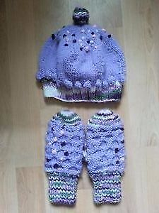 Size 2-4 years Hat and Mitten Set for Sale!