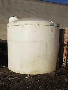 2100 & 2500 GALLON VERTICAL POLY STORAGE TANKS London Ontario image 2