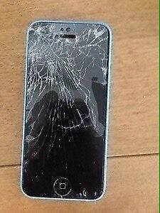 ⁉️URGENT⁉️♠️Looking for Broken or Cracked Iphone 5C♠️