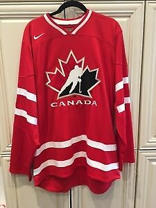 Brand New Canada Junior hockey jersey