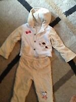 Baby outfit size 6/9 M