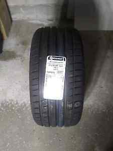 Brand new Continental Extreme Contact. DW 275/35ZR19 (1 tire)