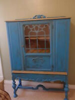 **ANTIQUE HUTCH/CHINA CABINET**