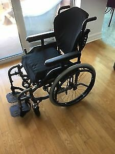 "Helio  A7  wheelchair, seat: 19"" wide, almost new"