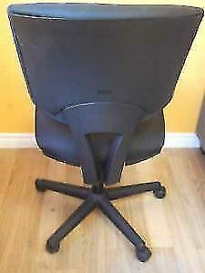 HON - VOLT TASK CHAIRS WITH SYNCHRO TILT FOR OFFICE - NEW Stratford Kitchener Area image 5