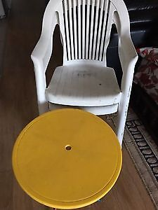 patio chairs and table for sale