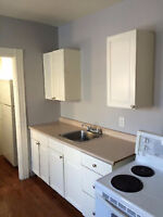 1 bedroom in house 4 bedroom in downtown - avai 1 march or early