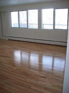 DDO (West Island)  2 bedroom Apartment(4 1/2)