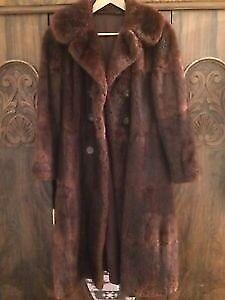 Beautiful Vintage fur coat size 10-14 Excellent condition
