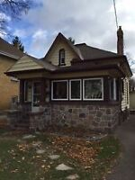 STRATFORD-MIXED USED RESIDENTIAL-3 BEDROOM HOUSE-GREAT HOUSE!!