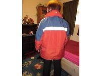 LAND ROVER JACKET 2 IN 1 HARDLY WORN UNISEX SIZE XS MAINLY RED