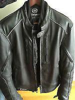 Manteau de cuir pour moto VStar de Yamaha avec sécurité complète