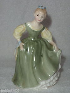 ROYAL DOULTON figurines $100 - $175 Sarnia Sarnia Area image 5