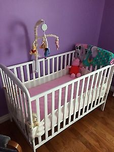 White Crib including Crib Mobile and Bumper Pads