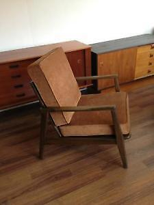 Mid century lounge chair London Ontario image 4