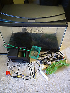 Fish tank 10 gallon with accessories