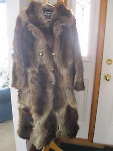 FOR SALE: Lady's real raccoon fur coat- size 11/12 (med)