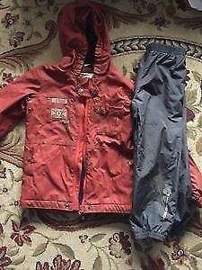 Mini Ungava spring waterproof suit size 6y. AVAILABLE