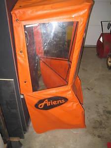 cabine pour souffleuse ariens orange et l,étrage ariens