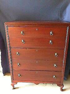 Commode 5 tiroirs embouvetés en bois style laurier antique vinta