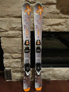 Skis Junior Rossignol Fun Girl 130 cm avec Fixations Atomic Race