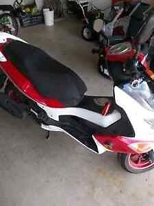 Scooter-Just reduced! Won't last long at this price!