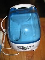 Vicks filtered cool moisture  humidifiers