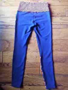 Size 4 Lululemon Reversible Pants Windsor Region Ontario image 2