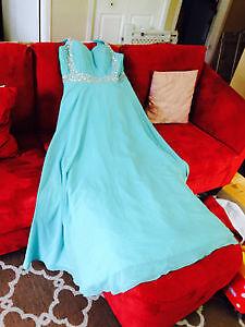 Encore Disponible robe de bal ou de demoiselle d'honneur