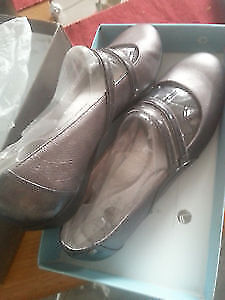 new with box shoes size 10