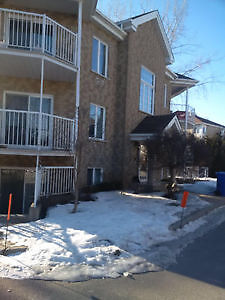Large 4 1/2 condo Vaudreuil for Rent