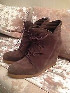 Stuart Weitzman Suede Taupe Ankle Bootie -NEW! -$120