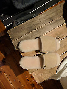 UGGS SHEEPSKIN SLIPPERS FROM BLUE MOUNTAIN