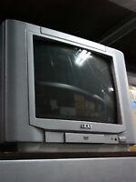 """Téléviseur Akai 13"""" CRT usagé, télévision, TV, jeu console"""