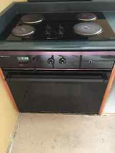 Jenn Air glass cooktop and range / oven / stove
