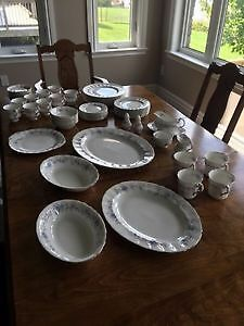 Paragon Dishes (Romance Pattern) all for $500 Kitchener / Waterloo Kitchener Area image 3