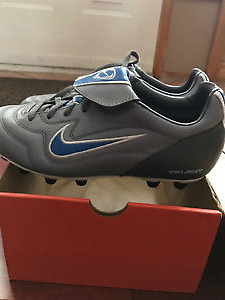 Brand new Nike soccer cleats women size 7