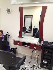 Stations de coiffure /Bureau de réception