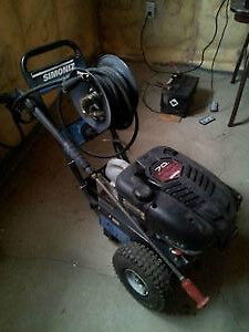 Simoniz S2800 Pressure Washer with Briggs & Stratton 7.0HP Intek