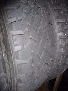 4 pneus d'hiver 205/75/15 Pacemark Snowtrakker