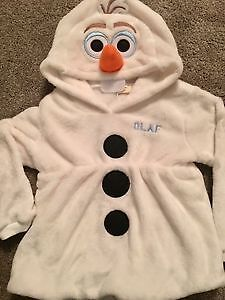 Brand new Olaf the snowman sweater, never worn size 3/4