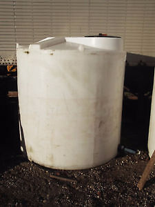 2100 & 2500 GALLON VERTICAL POLY STORAGE TANKS London Ontario image 7